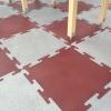 Резиновые маты для покрытия на детских площадках